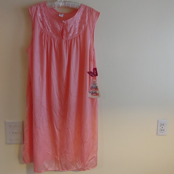 What necessary vintage plus size nightgown agree